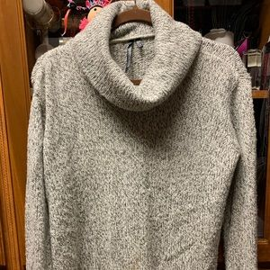 Turtle Neck Knit Sweater 🐢